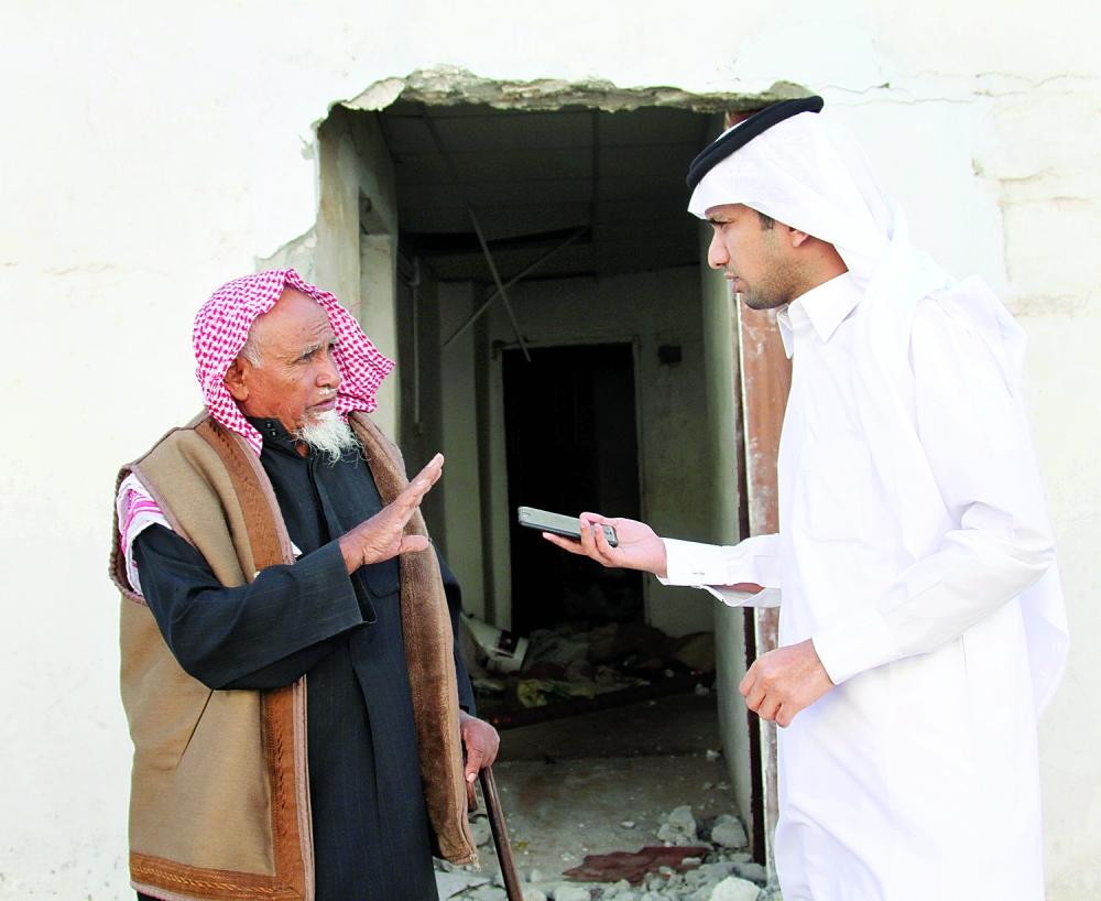 محمد الحربي متحدثا للزميل محمد سعود.