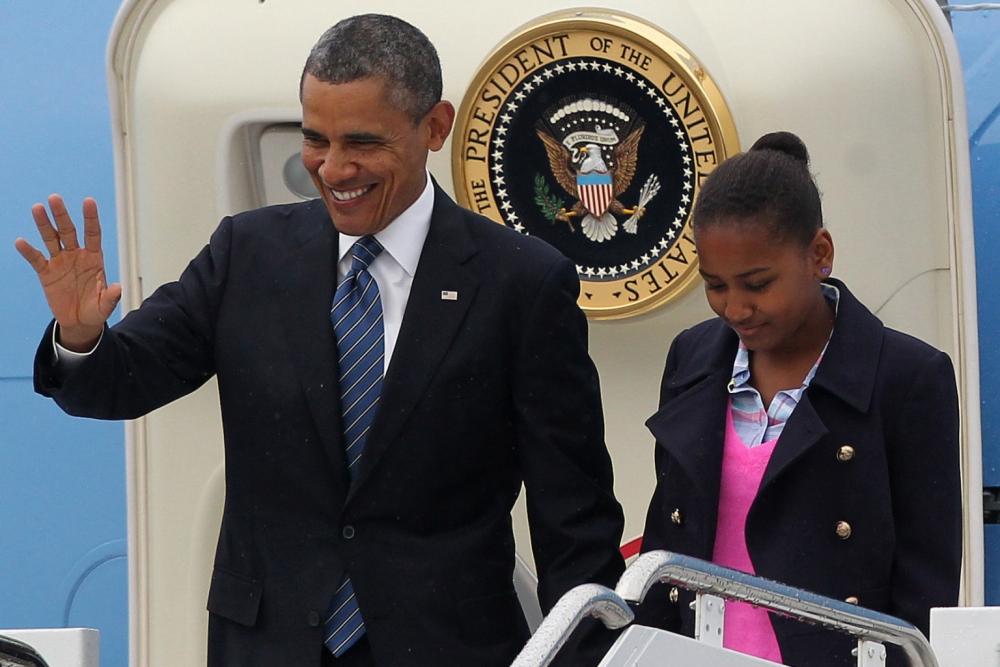 أوباما مع ابنته ساشا في صورة سابقة.  (وكالات)