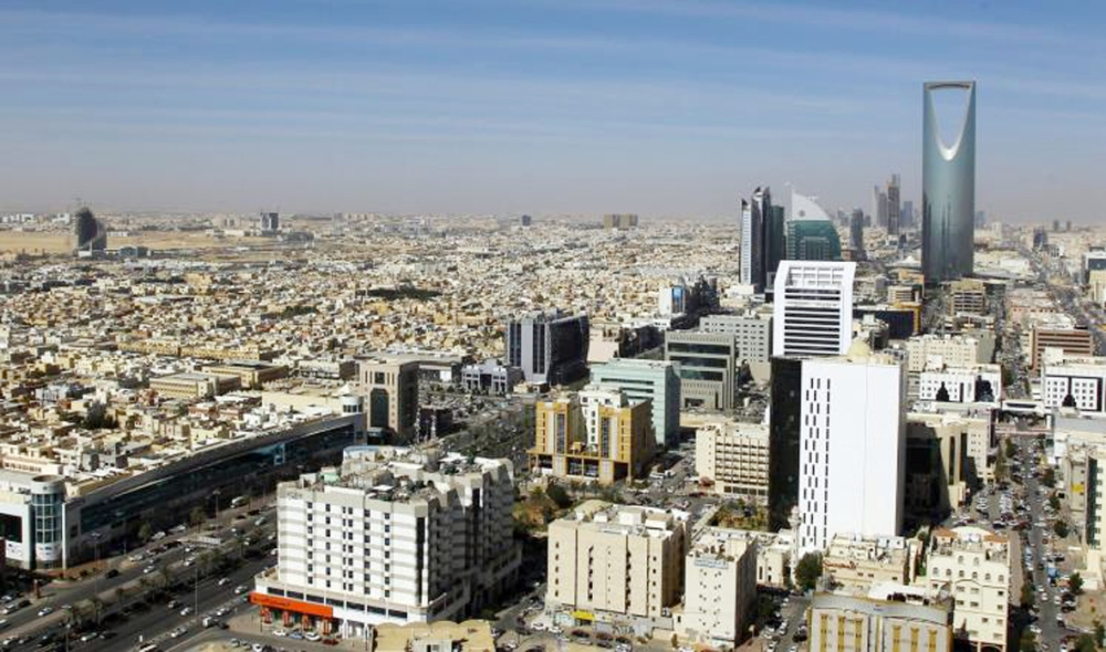 الخصخصة تجذب البنوك والشركات العالمية للاستثمار في السعودية. (عكاظ)