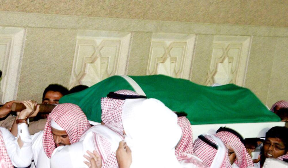 تشييع جثمان رئيس مكافحة السحر في طيبة - أخبار السعودية   صحيفة عكاظ